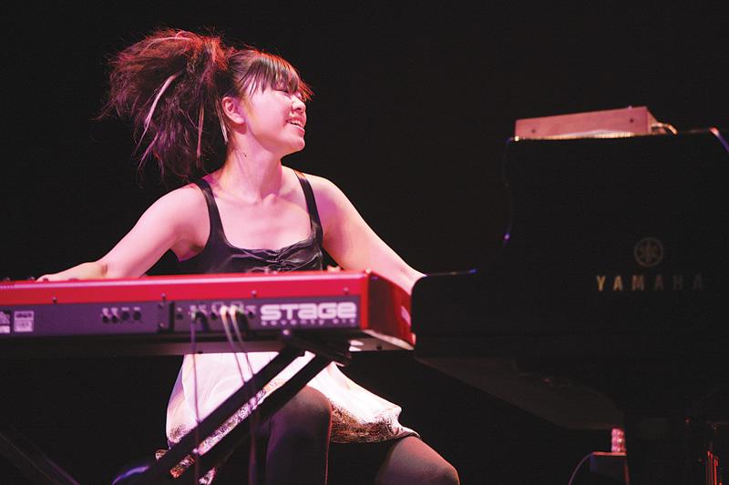 Live-1-Makoto-Hirose
